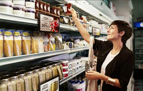 Monitor Reklamowy w sklepie